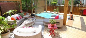 Deck with inground pool in Montreal