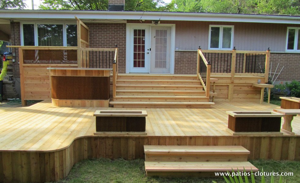 Red cedar deck Villaruel 1