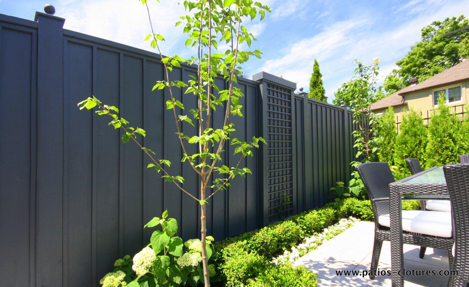 cl ture palissade verticale avec moulures patios et cl tures beaulieu. Black Bedroom Furniture Sets. Home Design Ideas