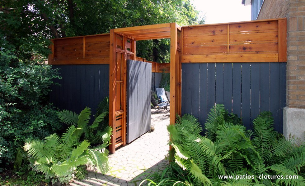 Gate of vertical and horizontal fence Forest
