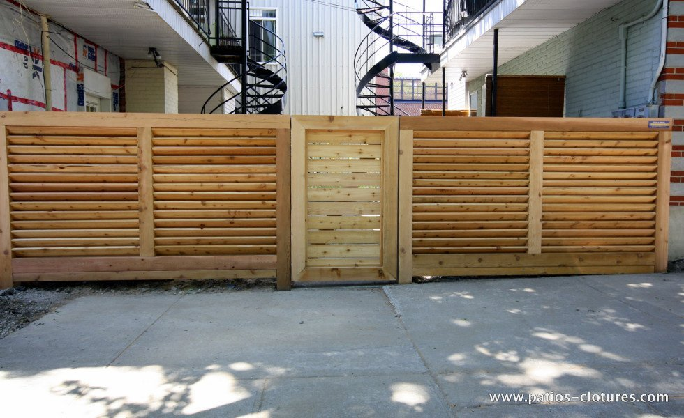 Robust gate horizontal louvered fence Lavoie and Doré