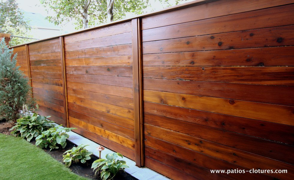 horizontal fence patios et cl tures beaulieu. Black Bedroom Furniture Sets. Home Design Ideas
