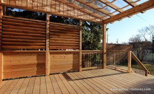 Deck with privacy screen and louvers Pinet