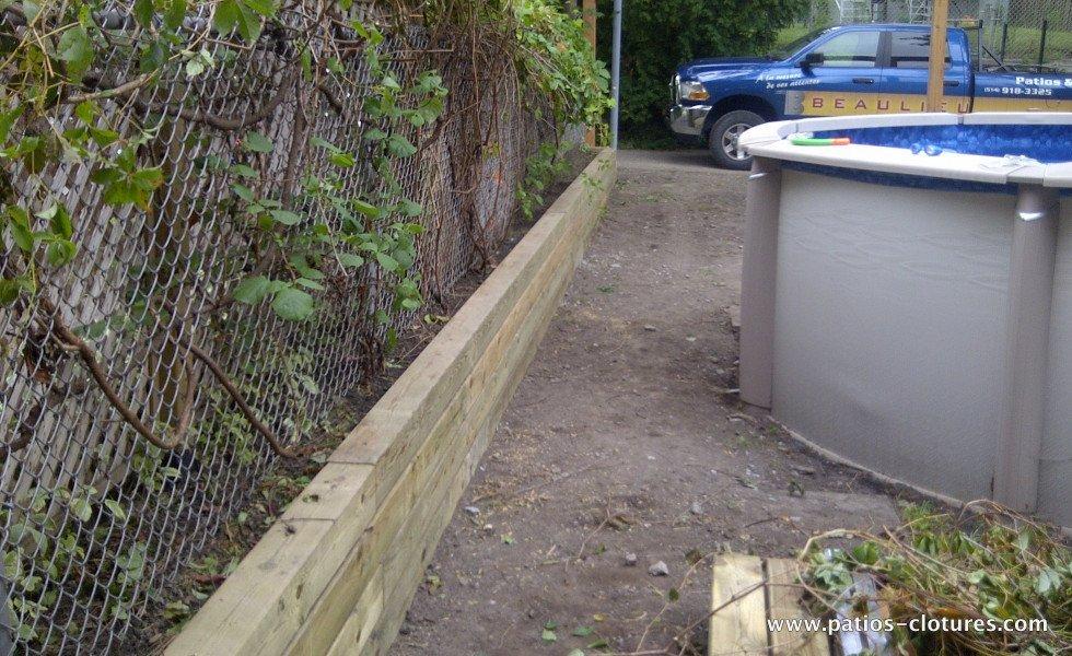 wooden retaining wall Verret
