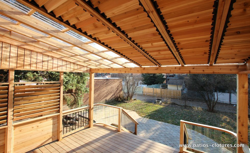 Pergola with polycarbonate and louvers for shade Pinet