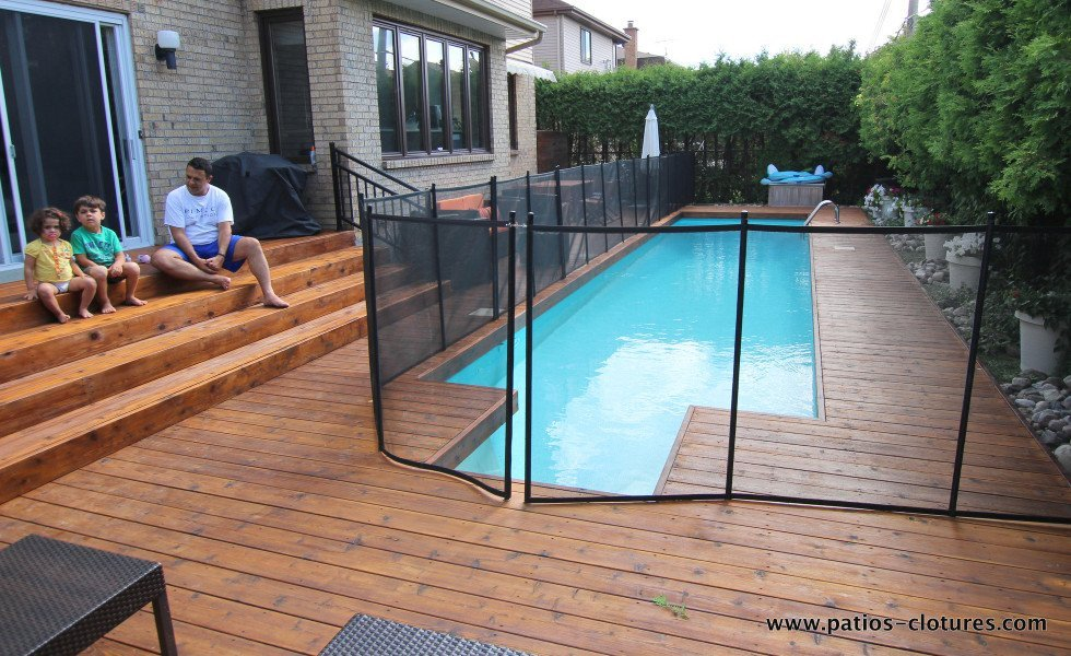 Patio riachy patios et cl tures beaulieu for Cloture bois piscine