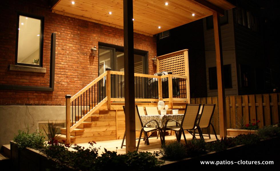Lumières au plafond d'un patio deux étages Marquis