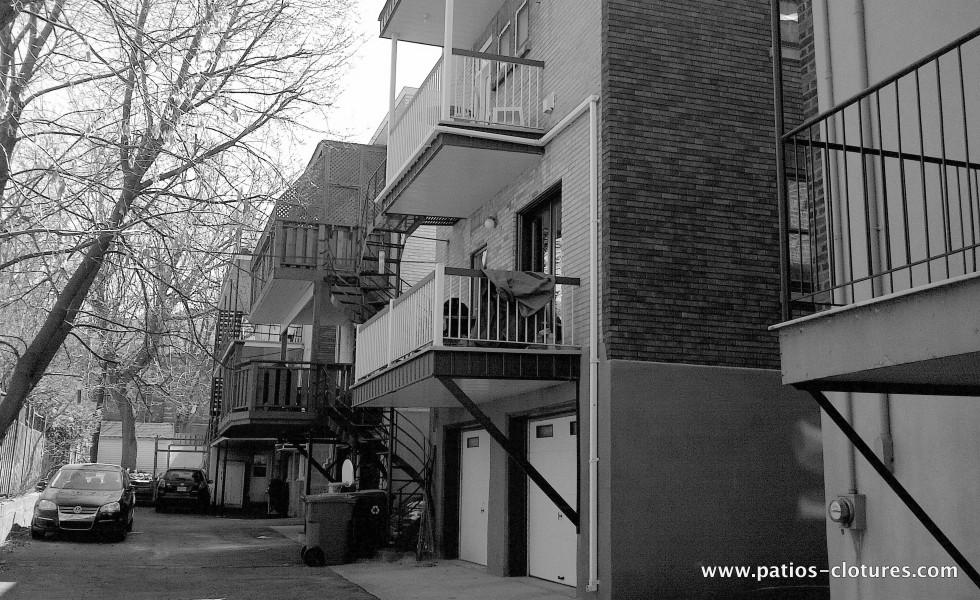 Patio deux étages avec structure en acier Kobelt - avant