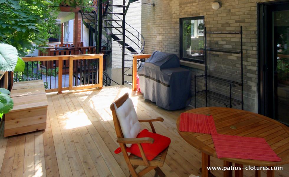 Premier étage patio deux étages avec structure d'acier Kobelt2