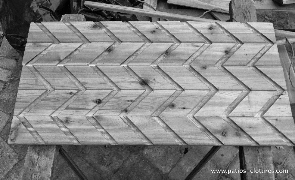 Coupe pour insertion des persiennes horizontales dans la clôture