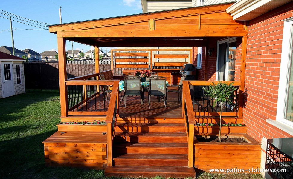 Access stairs to the patio with pergola