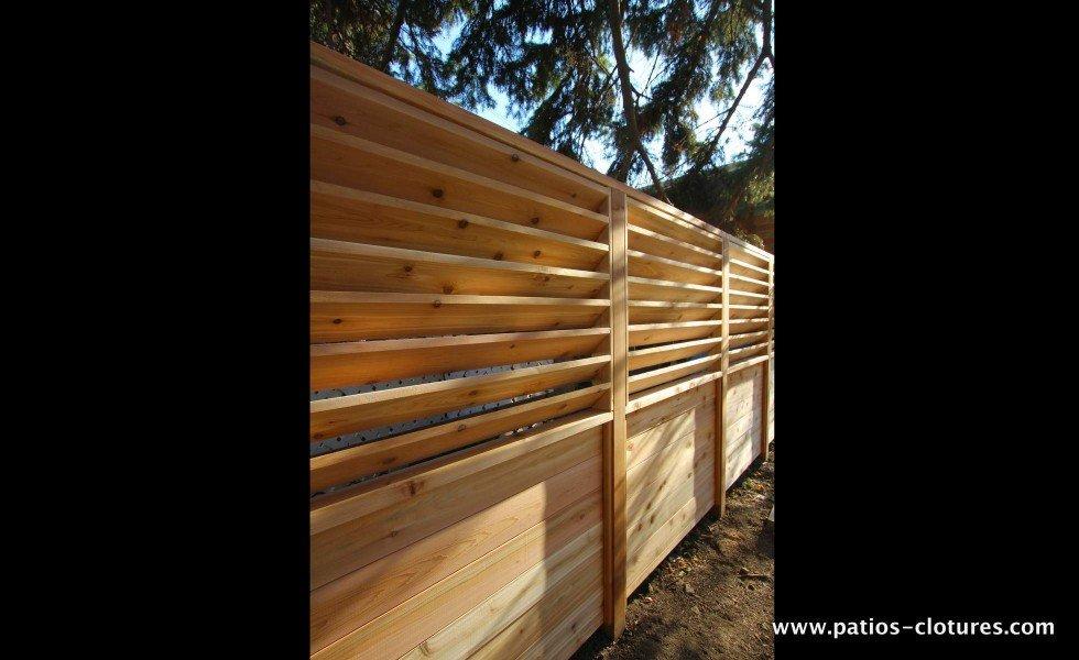 Clôture palissade avec persiennes horizontales fixes