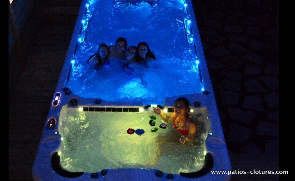 Spa de nage Vandal le soir