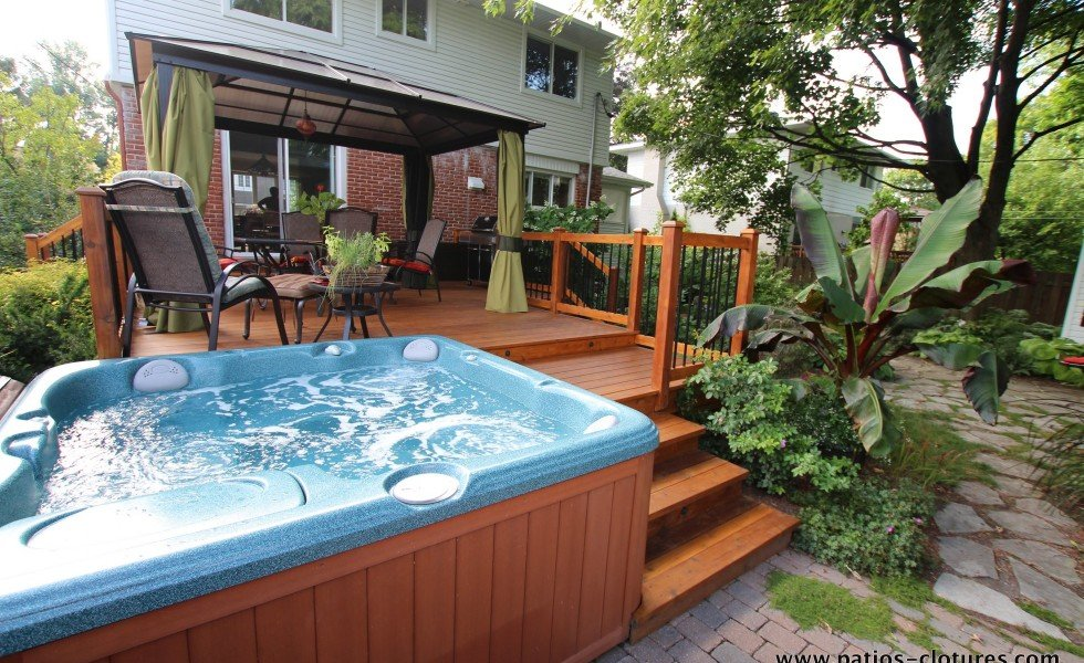 Deck with built-in hot tub on two sides