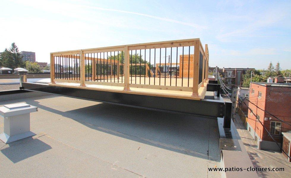Colones sur mesure pour le soutien des poutres d'acier sur les parapets pour supporter un terrasse sur le toit