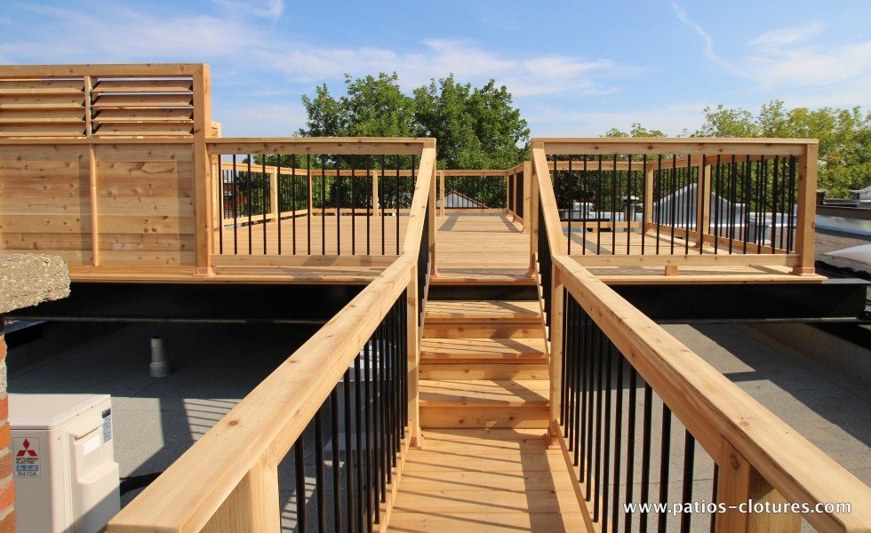 Access to a terrace on the roof with steel beams