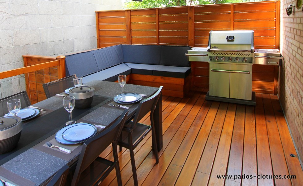 BBQ area with corner bench and horizontal privacy screen