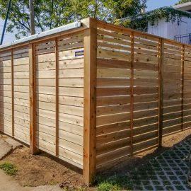 Construire une clôture en bois sans se chicaner avec ses voisins