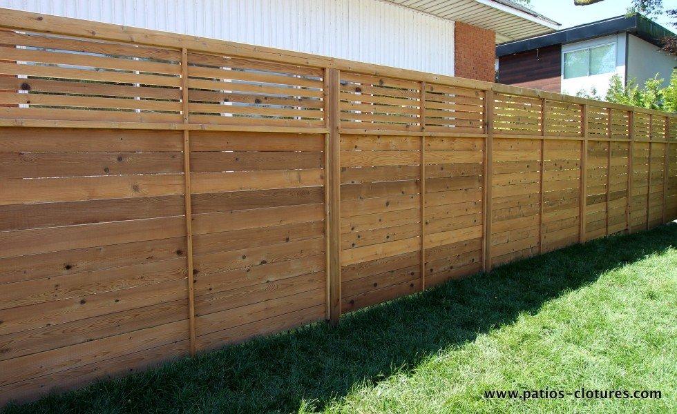 Clôture horizontale avec petites planches expacées