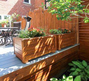 Une boîte à fleurs pour patio qui ne fera pas pourrir le patio !