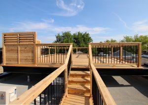 Passerelle d'accès vers une terrasse sur le toit (projet Durieux)
