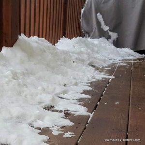 comment nettoyer son patio en bois pendant et après l'hiver