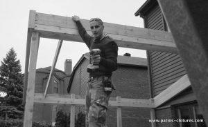 Maz durant la construction du patio Sylvie.