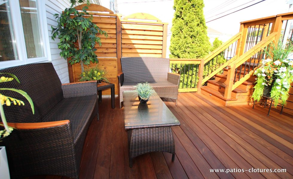 Cozy lounge area on an ipé deck