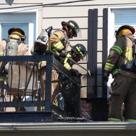 Pots à fleurs en plastique - attention, danger d'incendie !
