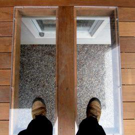 Plexiglass dans le plancher d