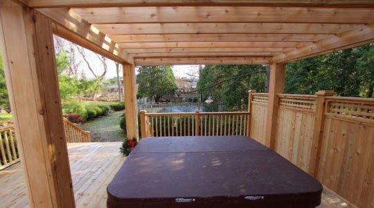 écran d'intimité pour patios en bois et pergola