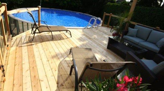 patio avec deck piscine hors-terre