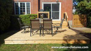 Balcon avec terrasse basse en cèdre pour 6 personnes